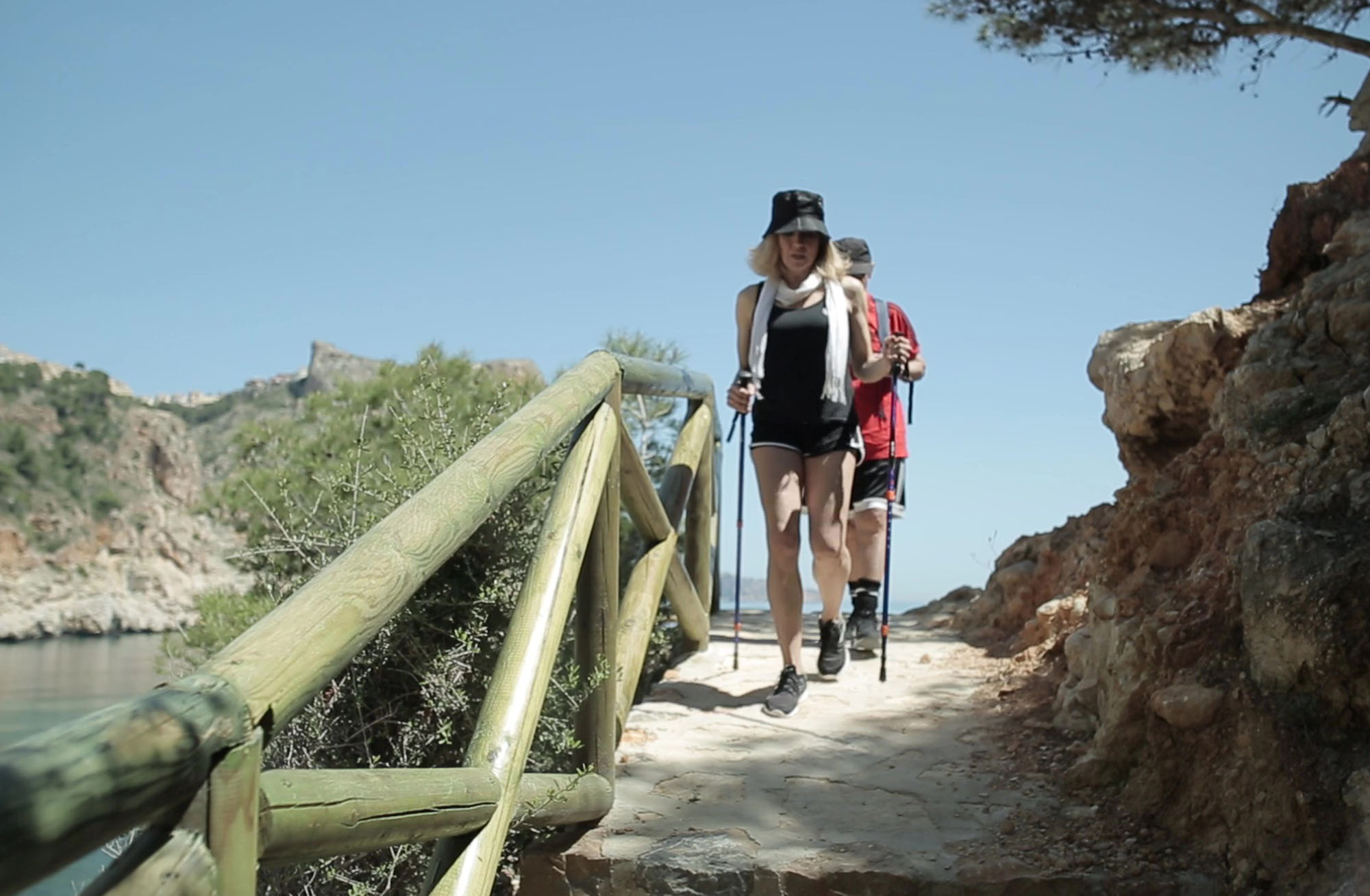 A couple hiking on the Costa Blanca